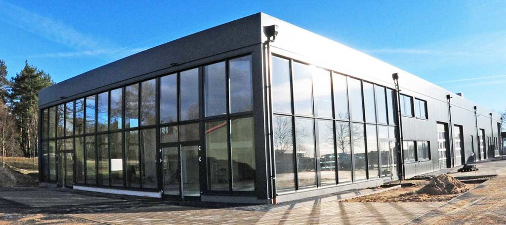 Hoppe eröffnet neues Autohaus