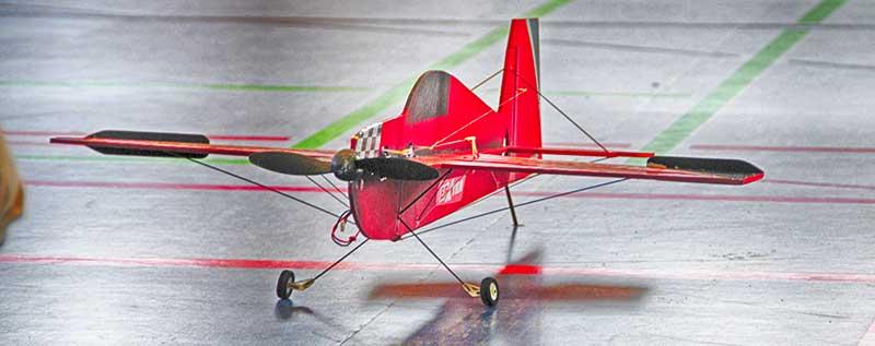 Segelflieger erobern Luftraum in der Uecker-Sporthalle