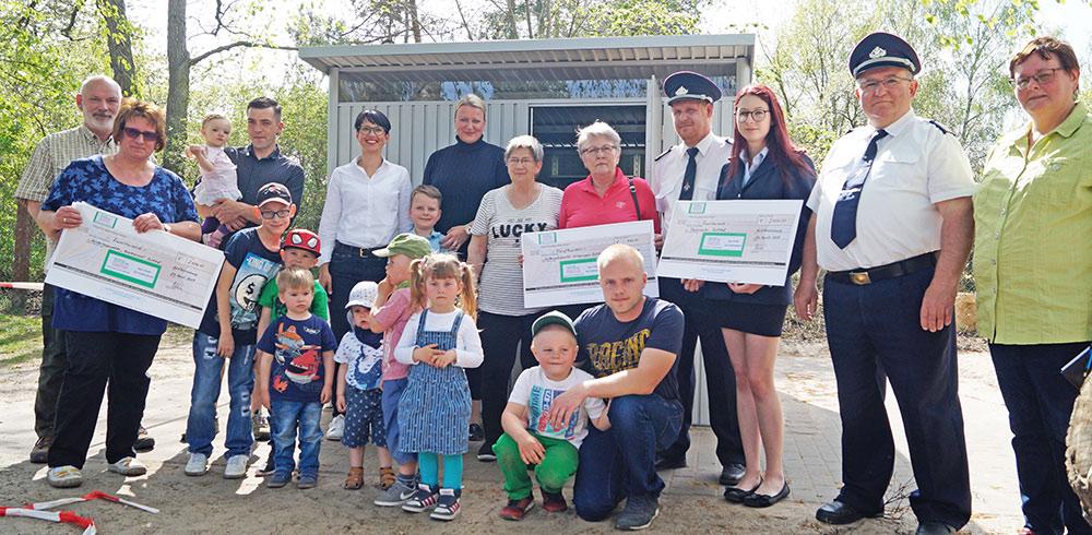 Tausende Euro für Kita-Kinder und Feuerwehr