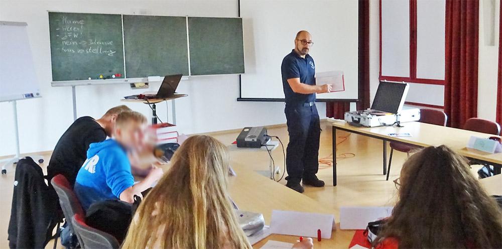 Pasewalker lernen Mathe, Deutsch und Feuerwehr