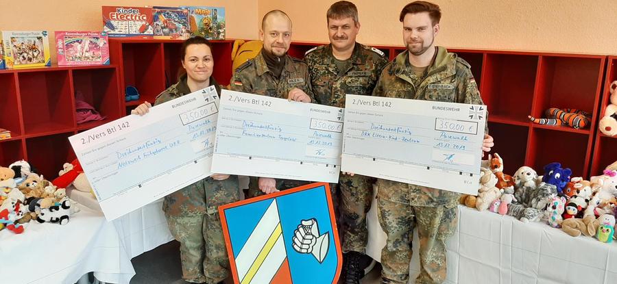 Soldaten spenden für Kinder in Pasewalk und Torgelow