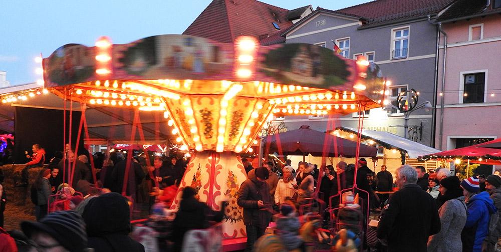Weihnachtstrubel in der Ueckermünder Altstadt