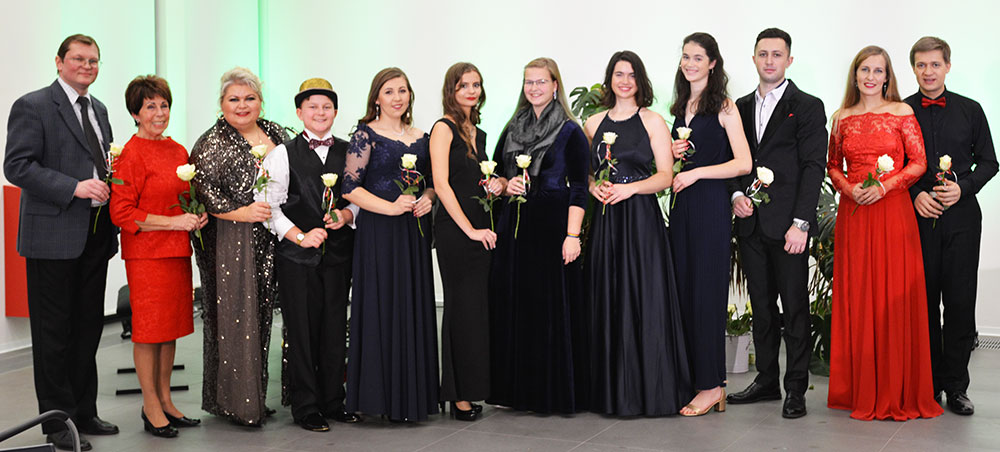 Dreiländer-Weihnachtskonzert im Ueckermünder Bürgersaal begeistert das Publikum