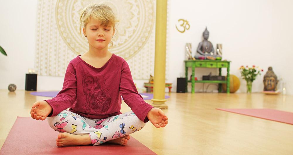 (Reklame) Yoga für die ganze Familie in Pasewalk