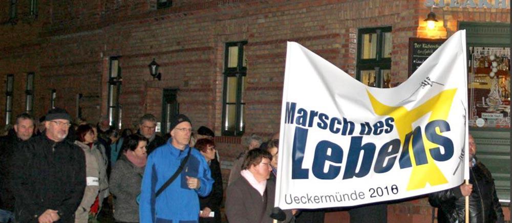 Marsch des Lebens zur Erinnerung an die Opfer des Holocaust