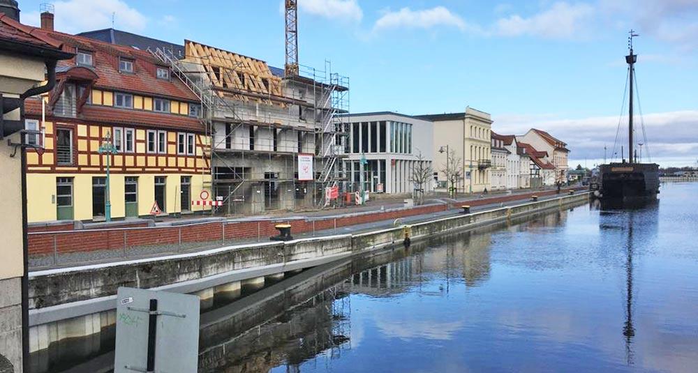 Neues Haus im Ueckermünder Stadthafen nimmt Gestalt an