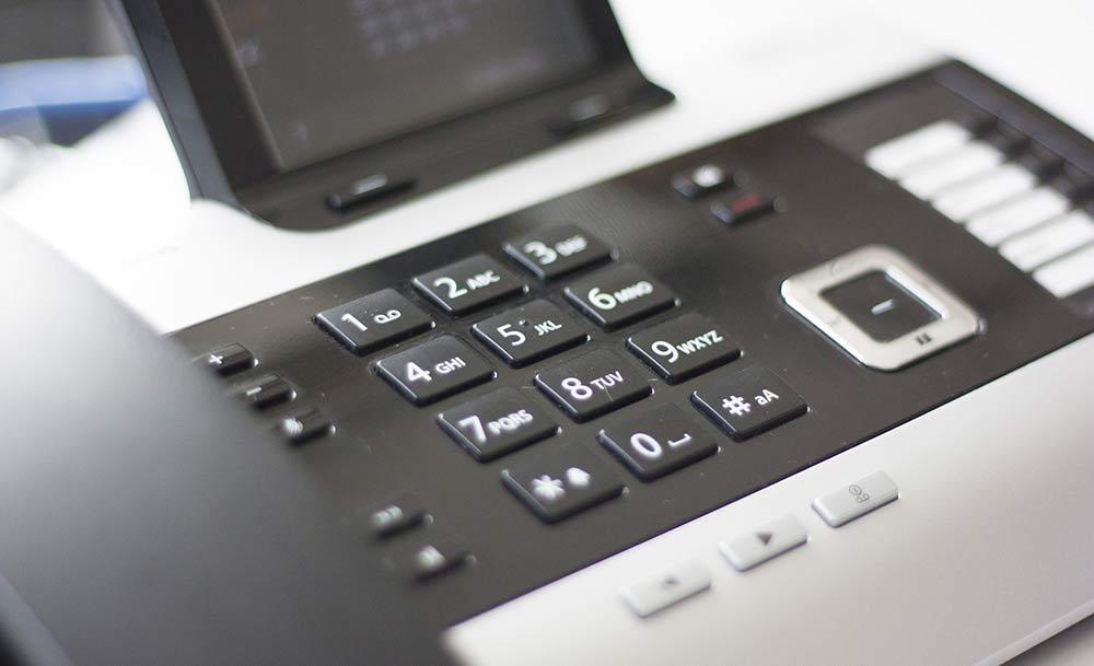 Kreisverwaltung stellt Telefonanlage auf Digitaltechnik um: Störungen möglich!
