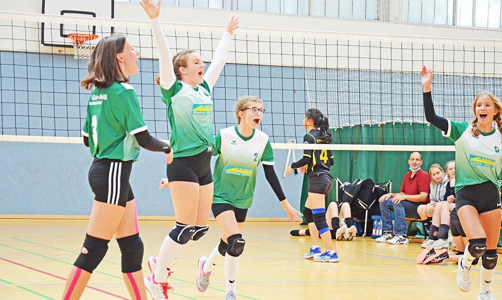 Es geht wieder los! Ferdis Volleyballerinnen beweisen sich in Rostock