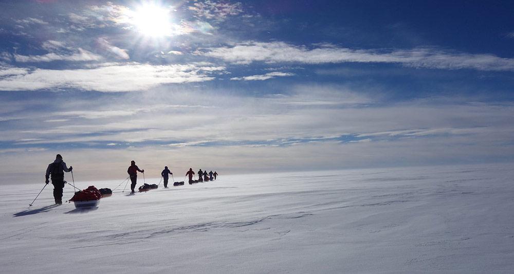 Zu Fuß vom Nordpol Richtung Südpol
