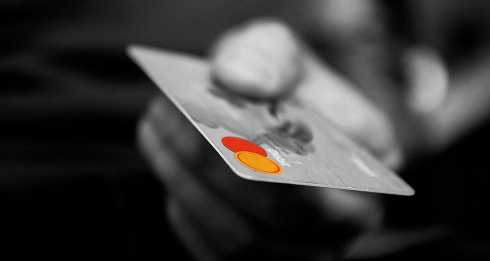 Falscher Bankmitarbeiter ergaunert 11 000 Euro von einem Ueckermünder
