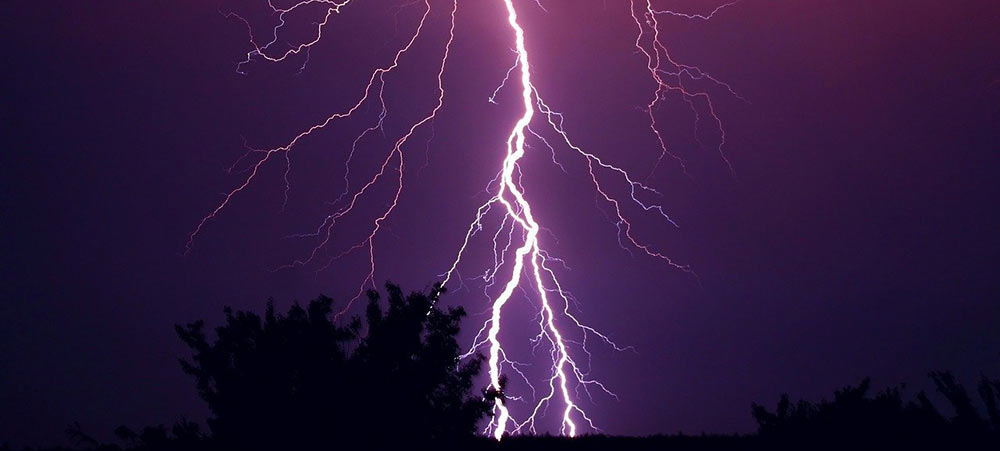 Bergholz: Blitzeinschlag setzt Schuppen in Brand