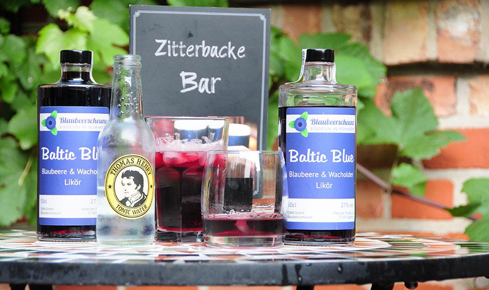 Regionaler Genuss: Pommerscher Blaubeer & Wacholder Likör NEU in der Zitterbacke Bar